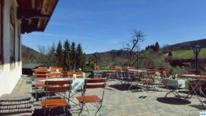 Terrasse vom Forellenhof an der weißen Traun